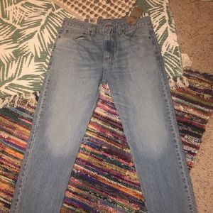 NWT LEVIS 502 TAPER JEANS